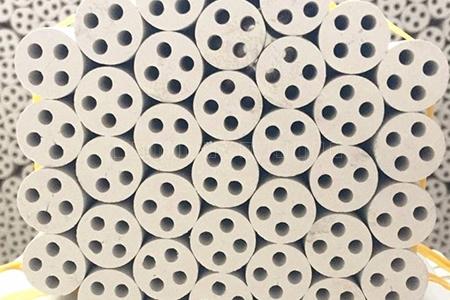 四孔高纯氧化镁柱